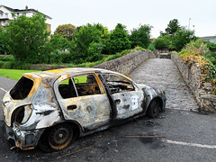 (turgidson) Tags: car abandoned burned out fire joyride nissan almera hatchback gutted destroyed bridge old cobblestones panasonic lumix dmc g9 panasoniclumixdmcg9 panasonicg9 micro four thirds microfourthirds m43 g lumixg mirrorless hes12060 leica dg varioelmarit 1260mm f284 asph panasonicleicadgvarioelmarit1260mmf284asph zoom silkypix developer studio pro 9 silkypixdeveloperstudiopro9 raw p1000809 milltown dublin ireland dodder valley linear park river clonskeagh