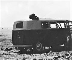 Volkswagen kampeerbus 1952 (TedXopl2009) Tags: nk0664 volkswagen kampeerbus transporter t2