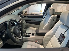 Jeep Cherokee Summit (Smalltowntx87) Tags: brand new cars automotive dealership dodge chrysler fiat scat pack 2019 2018 charger challenger ta hemi 57 64 sublime pearl hellcat redeye 707hp b5 blue srt american muscle ram 1500 longhorn trucks plum crazy purple