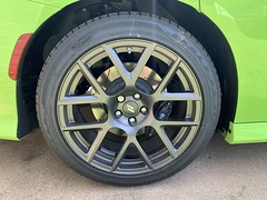 IMG_2560 (Smalltowntx87) Tags: 2019 dodge charger scat pack automotive dealership brand new car sublime green pearl 392 hemi 64 57 iphone xs max fiat chrysler 485hp srt
