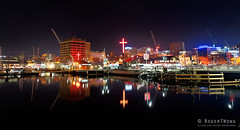 20190609-38-Hobart at Dark MOFO from Macquarie Wharf (Roger T Wong) Tags: 2019 australia darkmofo hobart rogertwong sel28f20 sony28 sonya7iii sonyalpha7iii sonyfe28mmf2 sonyilce7m3 tasmania cross night reflection town water