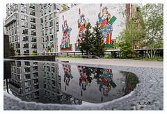 HIgh Line Park in New York City, Manhattan. (aus Kiel) Tags: linie new york gärten park urbano spaziergang grün himmel manhattan bahn ausergewöhnlich turm reisen anblick orientierungspunkt schiene gebäude zug historisch gehoben platz erbschaft architektur stadt panorama öffentliche haus tourismus schöner monuments strasen landschaft stadtlandschaft par baum ubahn bench graffiti