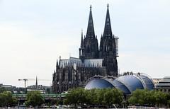 Cologne Cathedral (Rick & Bart) Tags: keulen cologne köln city deutschland germany urban rickvink rickbart canon eos70d church architecture colognecathedral kölnerdom hohedomkirchesanktpetrus saintpieter dom cathedral worldheritagesite unesco gothic