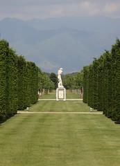 Garden inside Reggia di Venaria (TO) Italia (giuselogra) Tags: reggiadivenaria lavenariareale venariareale torino turin piedmont piemonte italy italia giardini garden lacittàmetropolitanaditorinovistadavoi