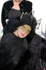 QUINTESSENZA VENEZIANA 2019 814 (aittouarsalain) Tags: venise venezia carnevale carnaval masque costume mask chapeau portrait regard