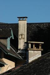 Hautes-Pyrénées (visol) Tags: xemeneies xememeie xemeneie xemeneia tximinia chimneys cheminées chimeneas camino chamine kaminköpfe tejados teulades tejas tejado teulas barbacana francia france pirineos pirineus