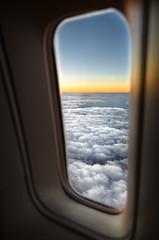 .... à l' heure du coucher de soleil, quelque part dans l' océan indien, mais pour une fois au dessus des nuages ! (BAMB 974) Tags: airaustral boeing travel voyage vudenhaut maurice laréunion indianocean océanindien bamb bamb974 cloudy nuages merdenuages sunset sun envol