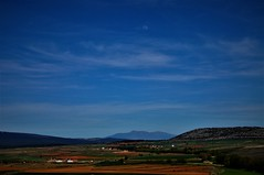 Campos de Soria la Luna y las nubes (enrique1959 -) Tags: martesdenubes martes nubes nwn soria castillayleon españa europa luna