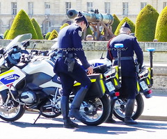 "bootsservice 19 2020863 (bootsservice) Tags: police ""police nationale"" policier policiers policeman policemen officier officer uniforme uniformes uniform uniforms bottes boots ""riding boots"" motard motards motorcyclists motorbiker biker moto motorcycle bmw paris"