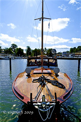 vintola photography (vintola) Tags: kesä moottorivene naantali puuvene vene venesatama nådendal finland finnland vintola boat motorboat woodenboat boot båt motorboot motorbåt marina