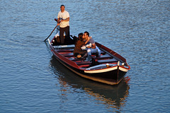 7E2BA018-4A60-406D-974C-DEC42E51C056 (EfromG-9) Tags: wedding firenze florence ponte vecchio italy italie maried si matrimonio wending proposta di yes boat barca champagne champaign