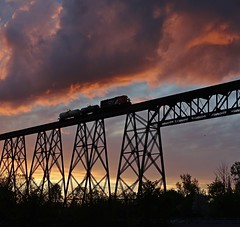Sur le tracel - On the viaduct (J. Trempe 3,950 K hits - Merci-Thanks) Tags: caprouge quebec canada tracel viaduct train nuage cloud