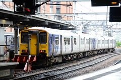 150206 at Leeds (stephen.lewins (1,000 000 UP !)) Tags: northern class150 150206 yorkshire railways leeds