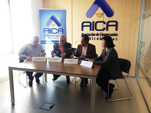 Firma acuerdo sindicatos ayuntamiento y AICA aparcamiento