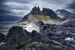 Batman Mountain Iceland (EtienneR68) Tags: a7r3 a7riii beach eau hills iceland islande landscape mer montagne montain nature paysage scenery scenic sea stokknes vestrahorn water voyage travel batmanmountain