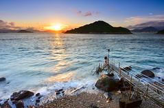 日落西棚(DSC_4004) (nans0410(busy)) Tags: honkkong sunset beach saiwanswimmingshed 香港 夕陽 西環鐘聲泳棚 greenisland