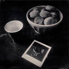 Le goûter (Troisième type) Tags: stilllife gouter sablé café wetplate collodion 13x18 12x12 95mm boyer lelabodutroisième