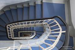 Mal wieder Treppen (Frank Guschmann) Tags: treppe treppenhaus staircase stairwell escaliers stairs stufen steps architektur frankguschmann nikond500 d500 nikon