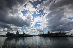 HMS Queen Elizabeth prepares to depart Rosyth side by side with HMS Prince of Wales - May 2019 (QEClassCarriers) Tags: queenelizabeth aircraftcarrier newsevent shoreestablishment navalbase uk hmnbclyde