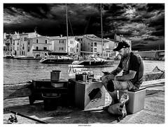 Fisherman... (michel di Méglio) Tags: monochrome pêcheur fisherman bw olympus martigues siverefexpro blackandwhite street