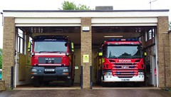 Biggleswade Fire Station (999 Response) Tags: bedfordshirefireandrescueservice bedfordshire fire and rescue service biggleswadefirestation biggleswade 84 wx09blf fj16frr bedsfire wxo9blf