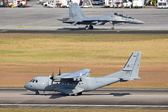 Royal Malaysian Air Force CASAIPTN CN-235M-220 M44-08 & Royal Malaysian Air Force Sukhoi Su-30MKM Flanker M52-18 (EK056) Tags: royal malaysian air force casaiptn cn235m220 m4408 sukhoi su30mkm flanker m5218 lima 19 langkawi international airport