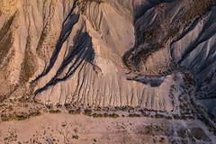 Badlands (Rafael Zenon Wagner) Tags: wüste desert from above nachmittag afternoon licht light schatten shadows landscape landschaft badlands