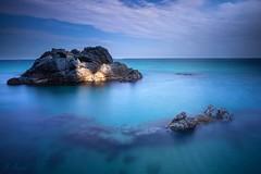 El últim raig de llum (Enric.©) Tags: lloret longexposure landscape catalunya catalonia girona beach coast rock stones sea mediterranean costabrava
