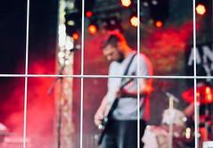 Gefahrenbereich (mrburton75) Tags: youth band elite angry punkrock punker music rot fence jung power laut sound musik zaun pogo anders gitarre jugend lärm bühne bauzaun skandal schutzzone schutzzaun