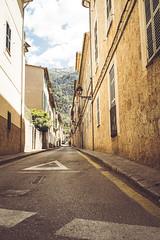 amazing alleys of soller (janetfrerichs) Tags: urlaub mallorca spanien balearischeinseln mai2019 street travel holiday 35mm alley nikon nopeople fullframe soller nikond800 sigmaart