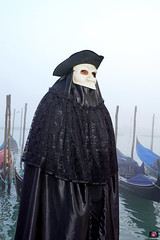 QUINTESSENZA VENEZIANA 2019 822 (aittouarsalain) Tags: venise venezia carnavale carnaval costume masque chapeau gondola gondole