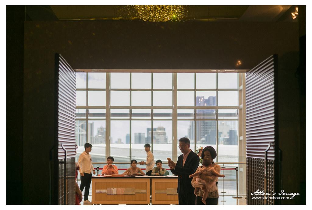 [高雄婚攝] 建志 & 恆瑄 宴客側拍 @漢來巨蛋會館