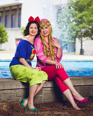 SP_98957 (Patcave) Tags: momocon momocon2019 2019 convention cosplay costumes cosplayers portrait shoot shot canon 5d3 sigma 85mm art f14 lens patcave atlanta georgia world congress center outdoors hot humid aurora ralph breaks internet sleepover disney princess blonde headband fuscia animation movie animated snow white poison apple blue red bow
