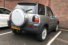 Rav4 Giant (Sam Tait) Tags: 2000 toyota giant rav4 20 petrol silver 4x4 retro rare car