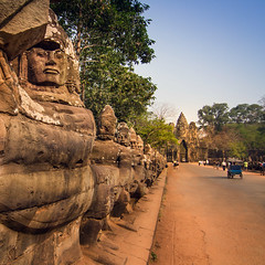 Angkor Wat, Cambodia (pas le matin) Tags: angkor angkorwat voyage travel temple angkorvat world cambodia cambodge asie asia southeastasia statue architecture perspective ancient antique ruins ruines sculpture canon 7d canon7d canoneos7d eos7d buddhism bouddhisme