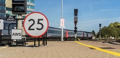 Twenty-five (Nodding Pig) Tags: bristol templemeads railway station train england greatbritain uk 2018 class43 dieselelectric locomotive mtu hst intercity125 43285 crosscountrytrains 2018092901121101crop