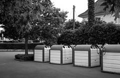 entsorgen (tbrtsch) Tags: kodak medalistii analog 6x9 argentique kreuzlingen schützenstrasse entsorgen entsorgungsstation sw bw 620