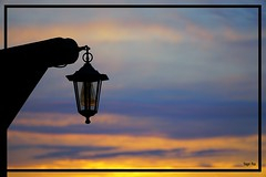 The Light is on (tingel79) Tags: sonnenuntergang sunshine sunset sky himmel landscape lamp lampe laterne germany outdoor sony photography photographie sonya6500
