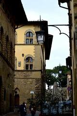 Passeggiando per Arezzo (Francesca Folliero) Tags: nikon foto fotografia scatto colori colors