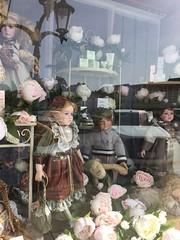 20190610_Laa_011 (Tauralbus) Tags: apotheke pharmacy apothekezumheiligenjosef laa schaufenster