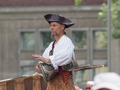 makin' music (1elf12) Tags: mensch musiker trommel mittelaltermarkt market medieval germany deutschland braunschweig pfingsten 2019