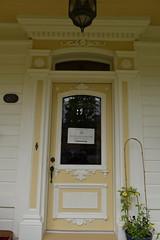 l'entrée de la maison du maire viateur bernier(maintenant boulangerie) (Boriton42) Tags: cormoran