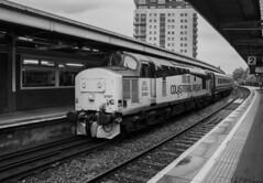 37421 at Cardiff Queen St (Dai Lygad) Tags: diesel locos locomotives class37 37421 colasrail cardiffqueenst rhymneyvalley transportforwales june 2019
