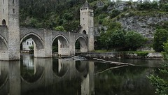 Pont Valentré Cahors (jo.misere) Tags: brug pont valentré cahors france frankrijk water boom tree reflection spiegeling toren tower