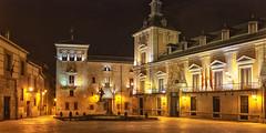 Plaza de la Villa y Corte (1) (lebeauserge.es) Tags: madrid españa noche calle plaza centro ciudad edificio