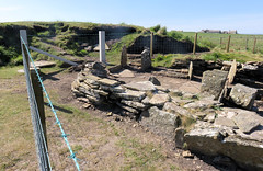 206 | Liddle Burnt Mound bronze age site (Mark & Naomi Iliff) Tags: orkney southronaldsay liddle burnt mound liddel bronzeage remains stones archaeology