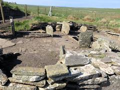 205 | Liddle Burnt Mound bronze age site (Mark & Naomi Iliff) Tags: orkney southronaldsay liddle burnt mound liddel bronzeage remains stones archaeology