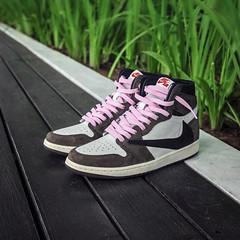 Travis Scott's x Nike Air Jordan 1. (Andy @ Pang Ket Vui ( shootx2 )) Tags: air jordan retro 1 aj1 high travis scott fashion hype sneaker green fujifilm x100f cactus jack