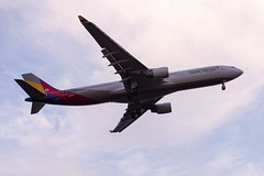 A330 ASIANA (kasa51) Tags: airplene jetplane airliner tokyo japan a330 asiana 飛行機 旅客機