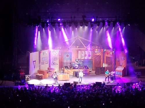 Weezer At Jones Beach Theater